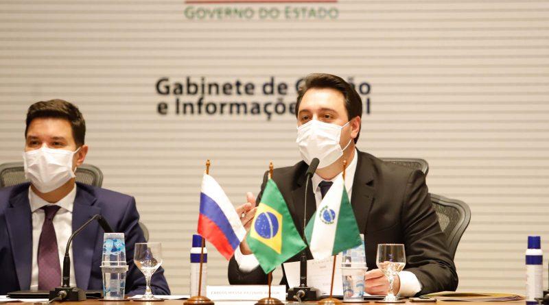 Governo do Paraná assina memorando técnico com a Rússia para estudar vacina contra COVID-19