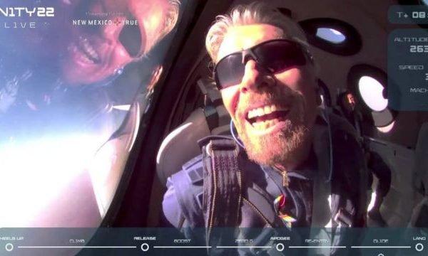 A viagem durou cerca de uma hora e foi realizada com sucesso. Branson é o primeiro bilionário a inaugurar as viagens turísticas ao espaço.